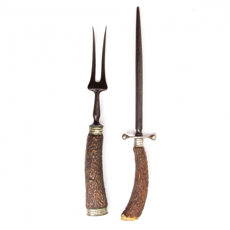 Zestaw myśliwski: widelec i ostrzałka, oprawa z rogu jelenia