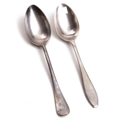 Dwie łyżki obiadowe, plater/Neusilber, sygnowane