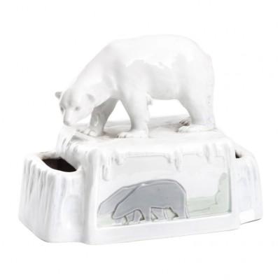 Niedźwiedź polarny, porcelana sygnowana, l poł. XX w.