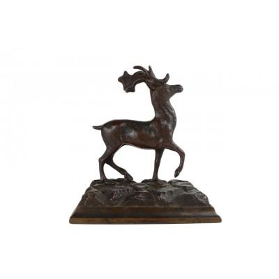 Figurka przedstawiająca jelenia. Odlew metalowy – brąz