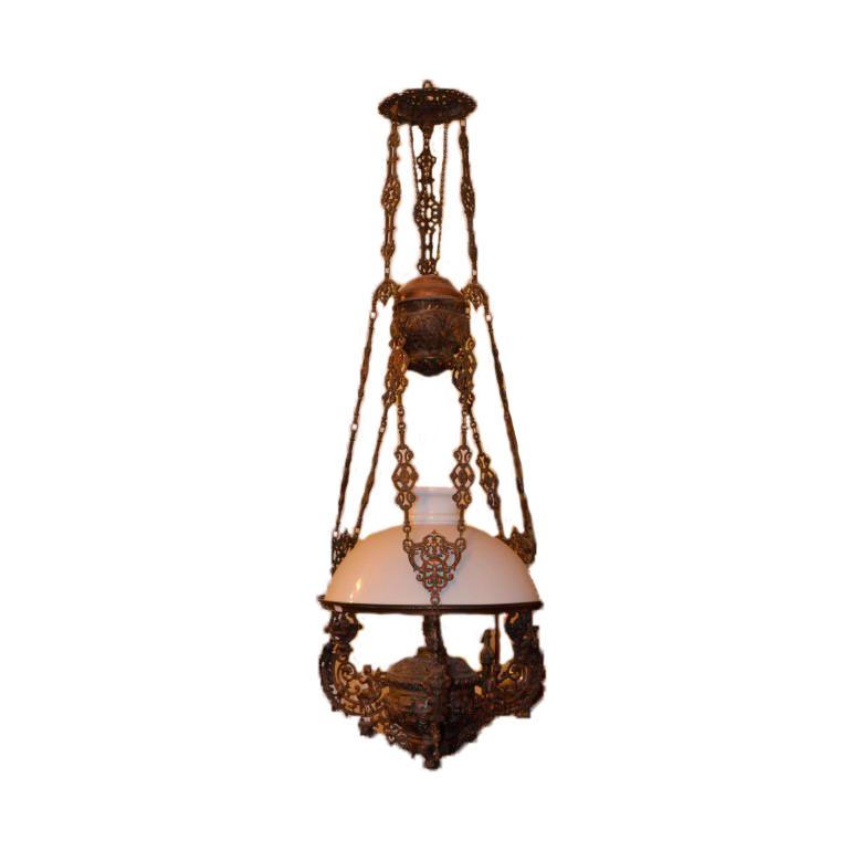 Duża, wisząca lampa naftowa w stylu secesyjnym. Szkło, mosiądz patynowany. Przełom XIX/XX w.