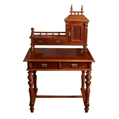 Sekretarzyk w stylu eklektycznym z nadstawką, drewno politurowane, elementy toczone, koniec XIX w.