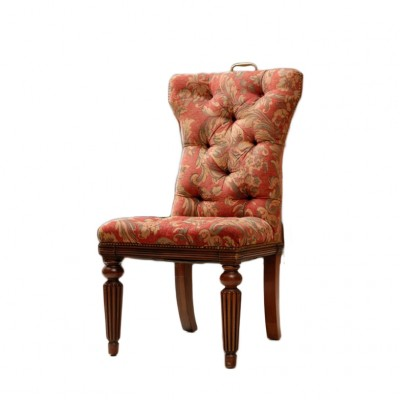 Fotele hiszpańskie tapicerowane tkaniną z motywem liści akantu, nogi rzeźbione, mosiężne uchwyty, Hiszpania, II poł XX w.