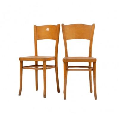 Krzesła z jasnego drewna. 2 sztuki. XX w.