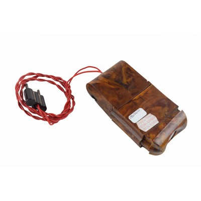 Przeglądarka do slajdów. Bakelitowa obudowa imitująca drewno oraz bakelitowa wtyczka.
