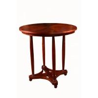 Stolik okrągły w typie Thoneta, na czterech toczonych nogach i krzyżaku z elementów giętych.Pocz. XX w.