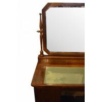 Toaletka z ruchomym lustrem na korpusie w typie biurka. Jesion skalisty z intarsjami. Austro-Węgry. Ok. 1910 r.